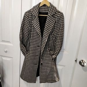 Houndstooth wool trench coat